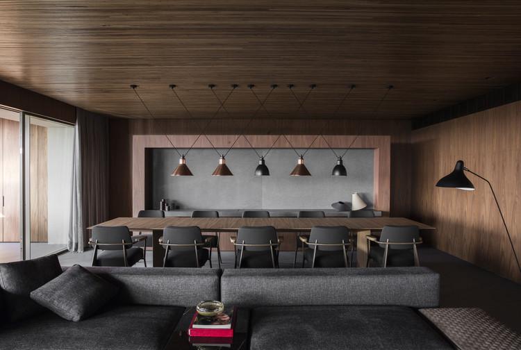 Flat#12  / Studio MK27 - Marcio Kogan + Diana Radomysler + Luciana Antunes + Pedro Ribeiro, © Jonas Bjerre-Poulsen
