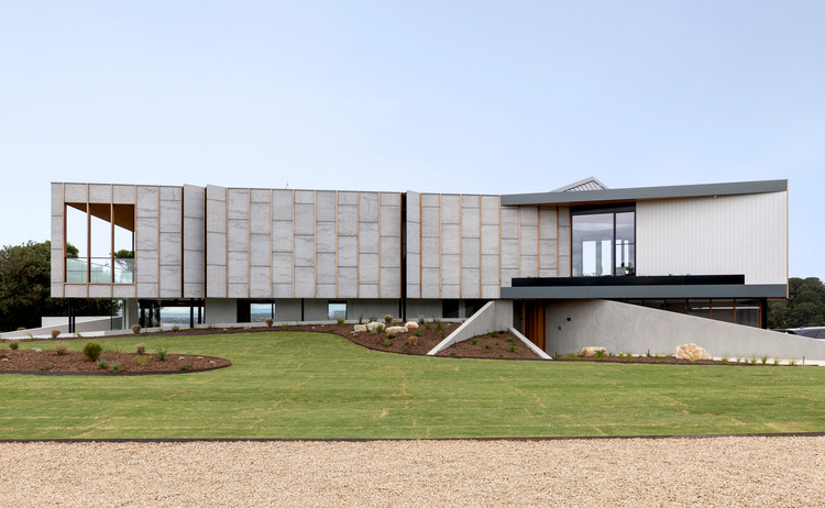 Casa dos três ângulos / Megowan Architectural, © Elise Scott