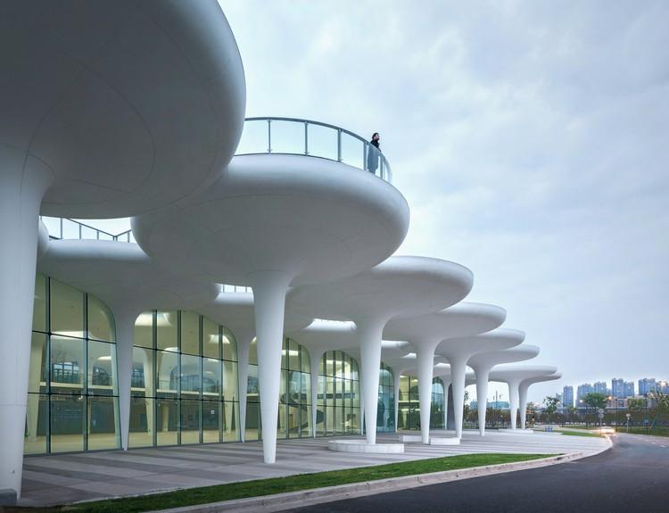 Instalações de apoio ao Parque Esportivo de Linping / CCTN, Cortesia de CCTN