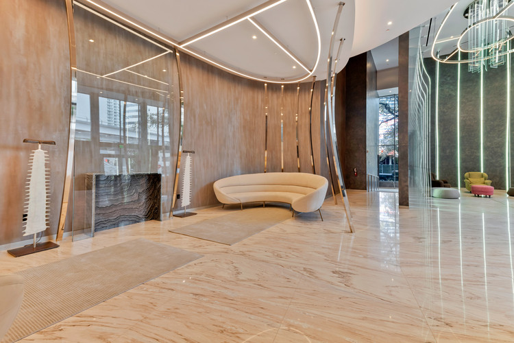 Brickell Flatiron Residential Tower / Revuelta Architecture ...
