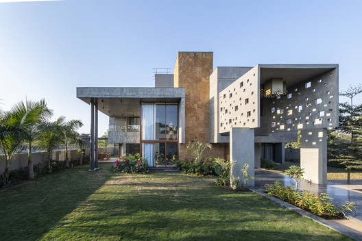 Casa PIXEL / The Grid Architects