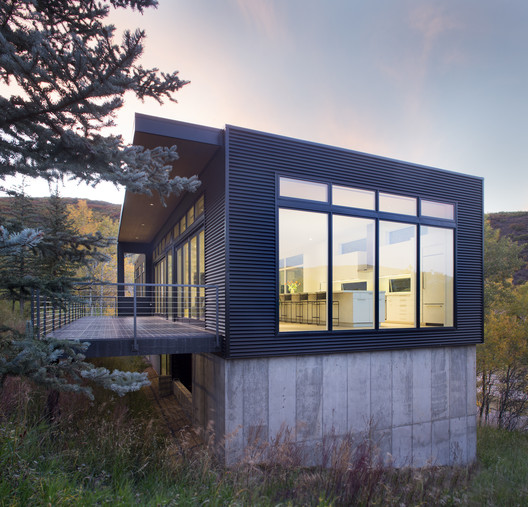 Black Magic House / Rowland+Broughton Architecture