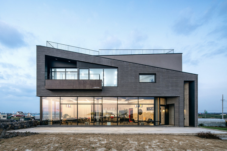 Whale Island Café House / Design Lab so S.O Architects, © DongKyu Yoon