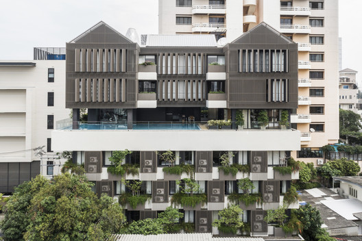 Bangkok TRYP Residential Building / Somdoon Architects
