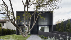 Mayfield Avenue Residence / studiofour
