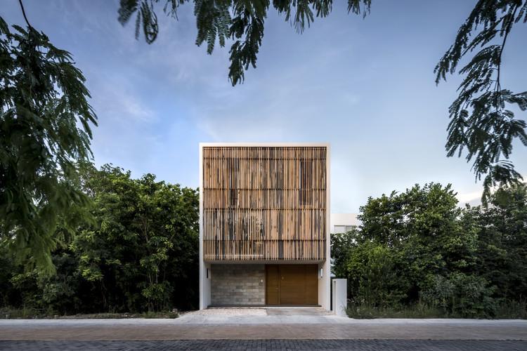 Arquitectura en México: casas y departamentos en Cancún, Quintana Roo, Casa Ciruelo 7 / Warm Architects. Image © César Béjar