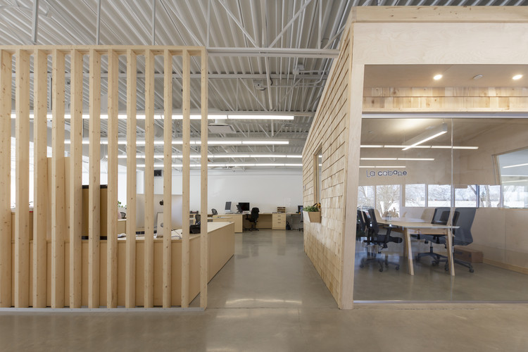 Les Éditions Passe-Temps Offices / Quinzhee Architecture, © Dave Tremblay / 1Px