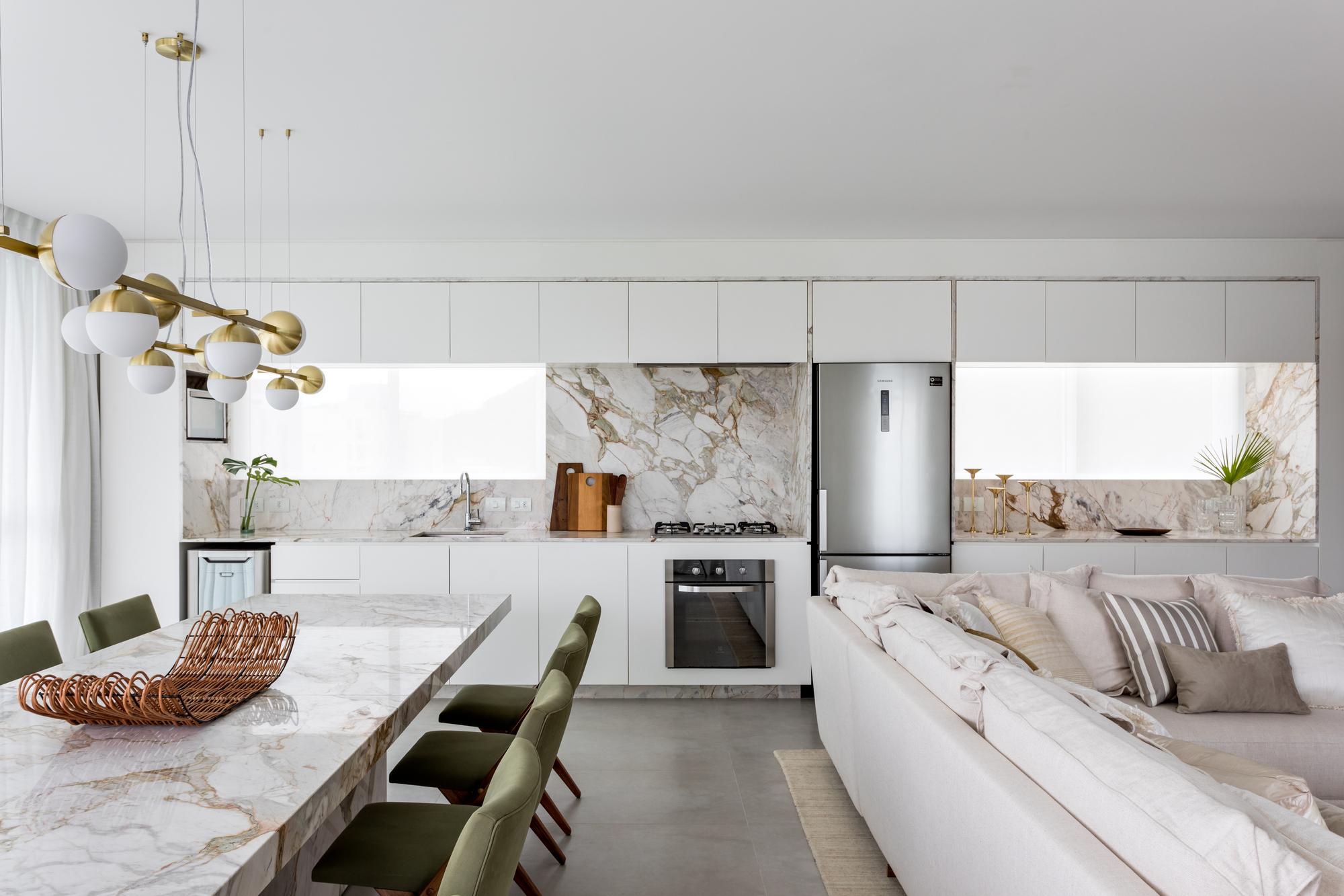 ¡Praia Mansa Apartment / Leandro Garcia