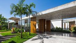 Casa en Peruíbe / Vereda Arquitetos