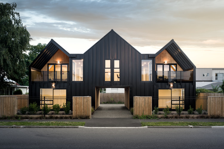 Hereford Flats / Young Architects, © Dennis Radermacher
