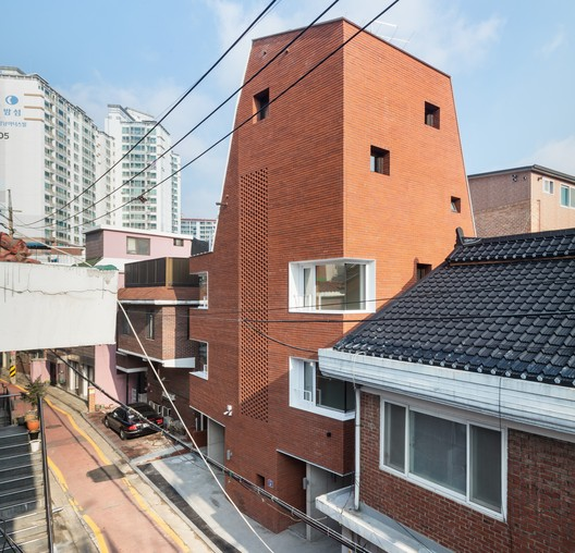 Sista House / 2m2 architects