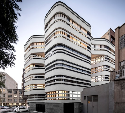 Atlas Medical Office Building / Marziah Zad + Raha Ashrafi + Mohsen Marizad + Ahmad Bathaei