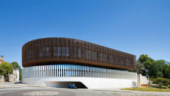 Sede Deux Rives / Marjan Hessamfar & Joe Vérons architectes associés