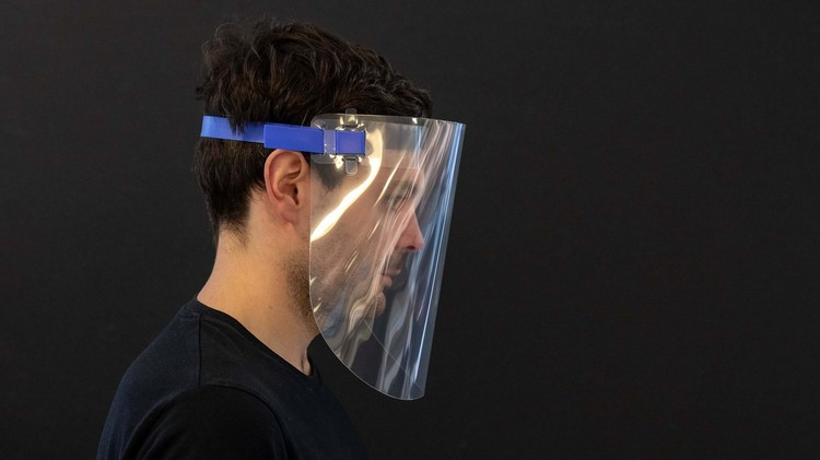 5 Protective Face Shields Designed by Architects in Fight against COVID-19, Foster + Partners . Image Courtesy of Foster + Partners