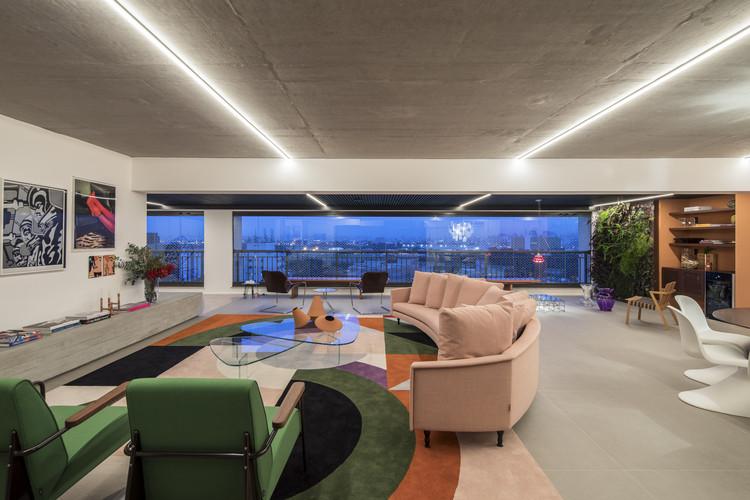 Apartamento Karine Vilas Boas / Julliana Camargo Arquitetos, © Maíra Acayaba