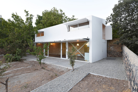 Fashand Villa / SABK design group