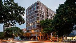 Edificio Lauret / Connatural + Grupo Terrarea