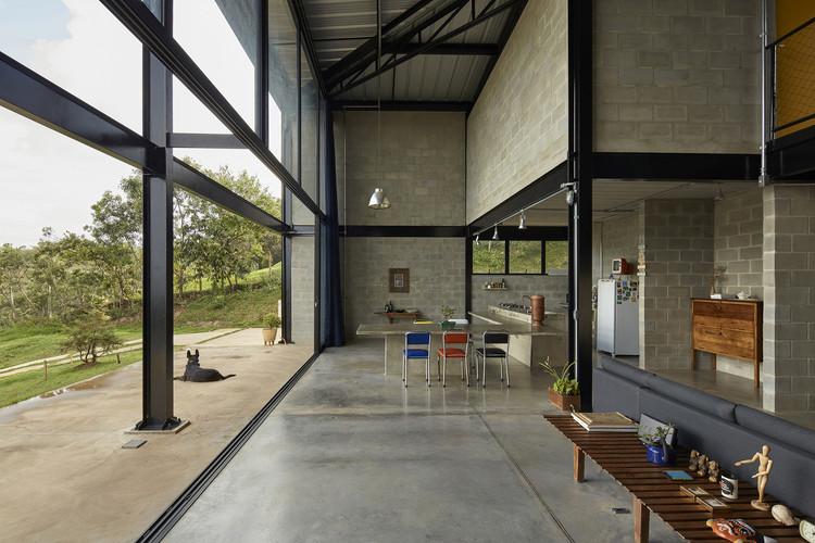 Casa Galpão / Marcos Franchini + Nattalia Bom Conselho, © Jomar Bragança