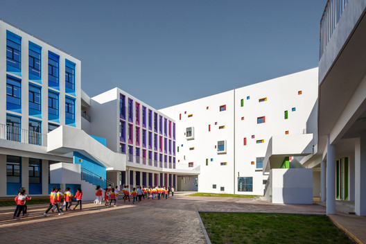Yulin Gaoxin No.3 Primary School / THAD +School of Architecture, Tsinghua University