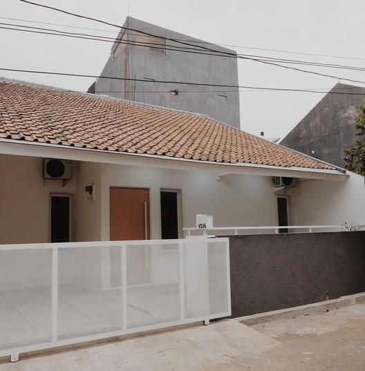 Casa Kusumahdinata / Aditya Wiratama Architect