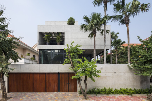Casa Bunker / Nha Dan Architects
