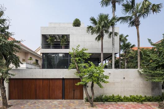Bunker House / Nha Dan Architects