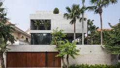 Casa Bunker / Nha Dan Architects