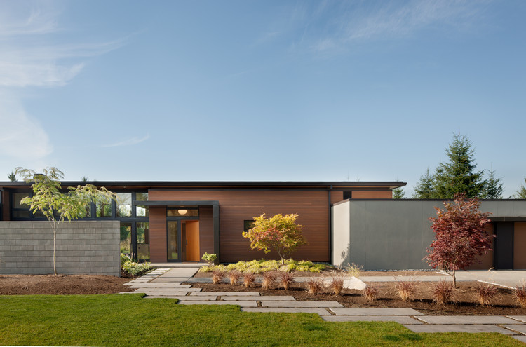Casa de Campo Olympia / Coates Design: Architecture + Interiors | Seattle Architects, © Lara Swimmer