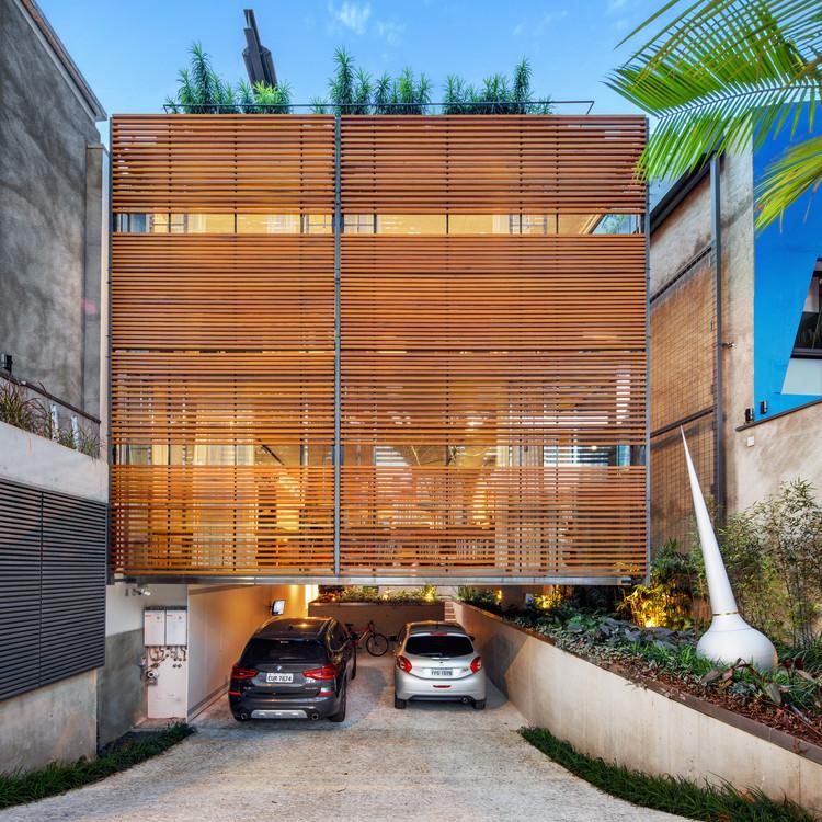 House in Jardim Europa / SPBR Arquitetos, © Nelson Kon