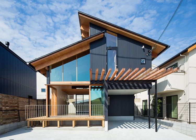 House in Tarumi / Yo Irie Architects, © Takahiro Arai