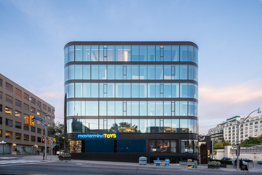 1133 Yonge Street Offices / Studio JCI
