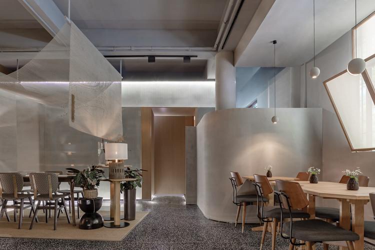 Xiao Shannan Restaurant / Yue-Design Space Design Studio, Dining room. Image © EMMA studio