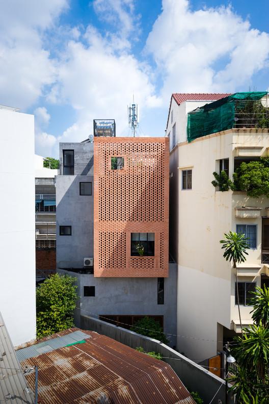 nha anh Liem 7 - Casa NDC / Tropical Space