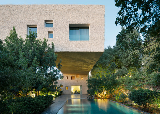 H Saket House / Sahel AlHiyari Architects