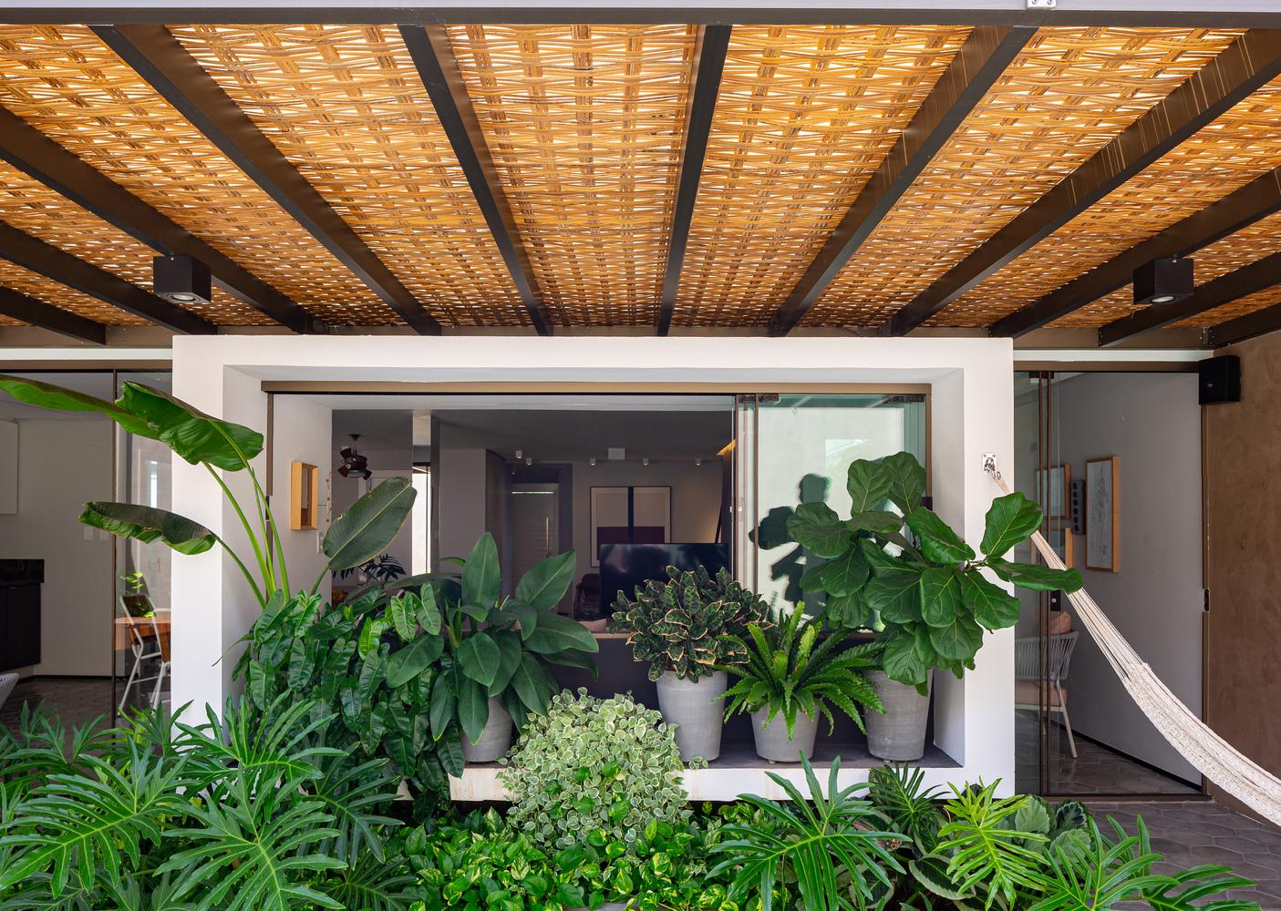 Oasis House / Studio Kyze Arquitetura e Design