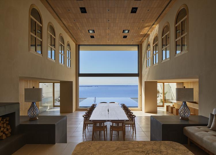 Loggia on the shore Guesthouse / Hiroshi Nakamura & NAP, © Nacasa & Partners Inc.