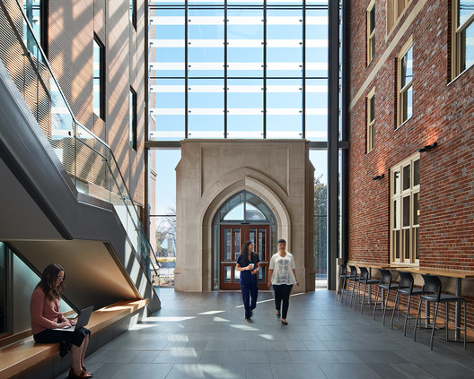 Vanderbilt University School of Nursing / HASTINGS Architecture