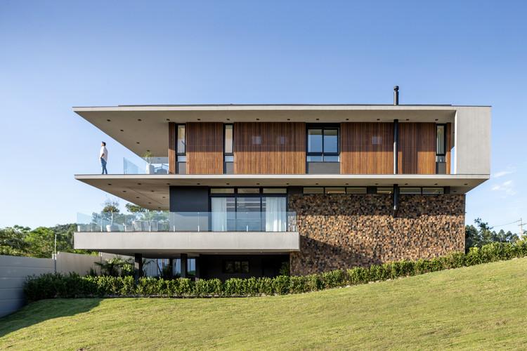 House F16 / Studio Bloco Arquitetura, © Marcelo Donadussi