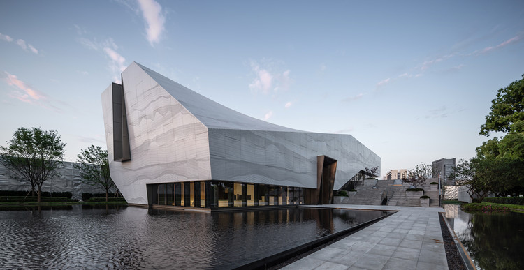 Suzhou Financial Center Exhibition Hall / Lacime Architects, © Schran Images
