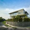 FI 00 Context and Elevation (1) - Tresno House / RAW Architecture: Biệt thự hiện đại cây xanh và hồ bơi