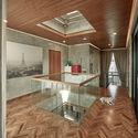02 Atrium Skylight Tumpang Sari2 - Tresno House / RAW Architecture: Biệt thự hiện đại cây xanh và hồ bơi