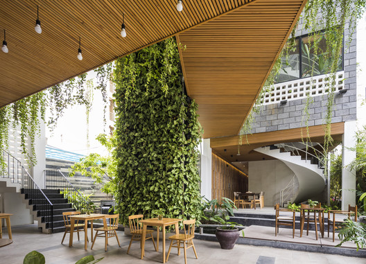 Spa Babylon Garden / Ho Khue Architects