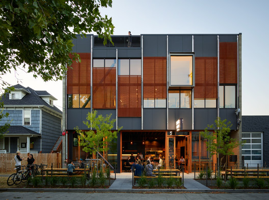 The Klotski Building / Graham Baba Architects