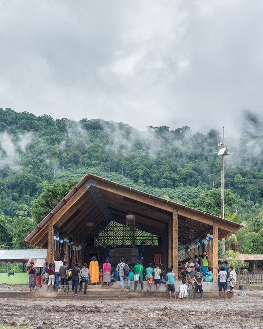 New Community Center for Otica Native Community / Semillas
