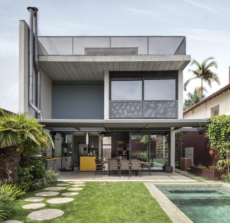 Casas brasileiras: 15 residências com instalações aparentes, Casa Bolivar / ARKITITO Arquitetura. Imagem: © Evelyn Muller