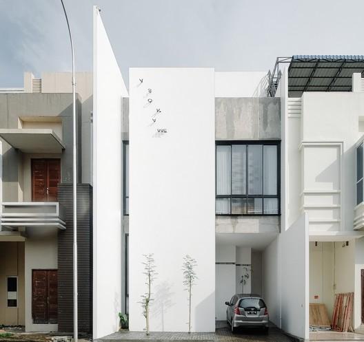 Casa T / Sixthree Studio