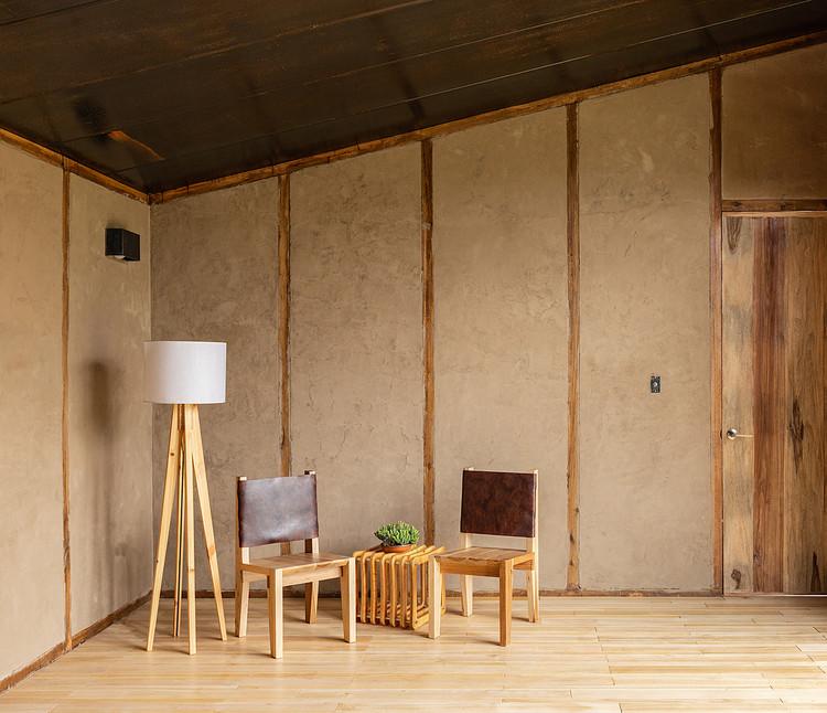 As paredes de barro nas casas contemporâneas do Equador, Casa Patios / Rama Estudio. Image © JAG Studio