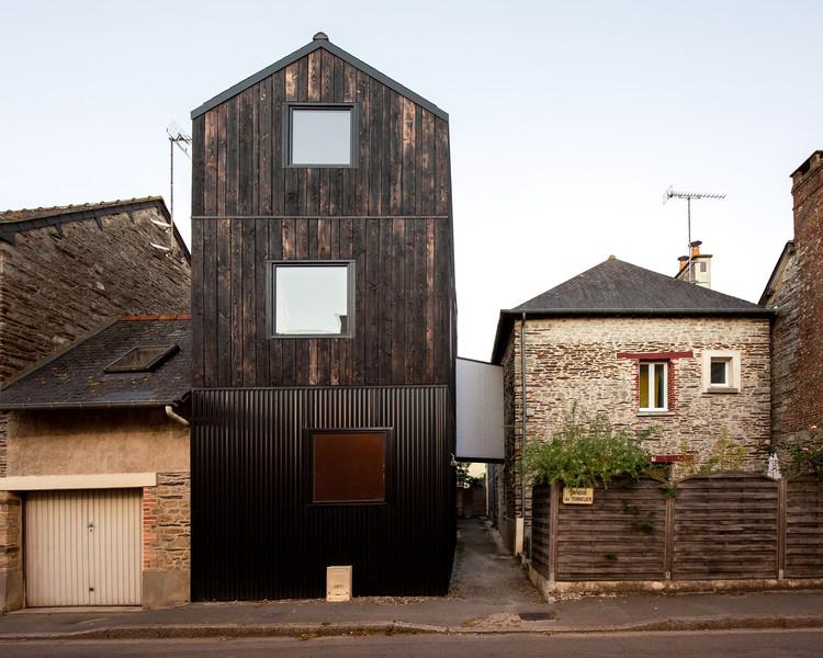Casa de madera Shou Sugi Ban / Clément Bacle Architecte, © Gaëtan Chevrier