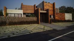 Chalalai Pool Villa / Juti architects