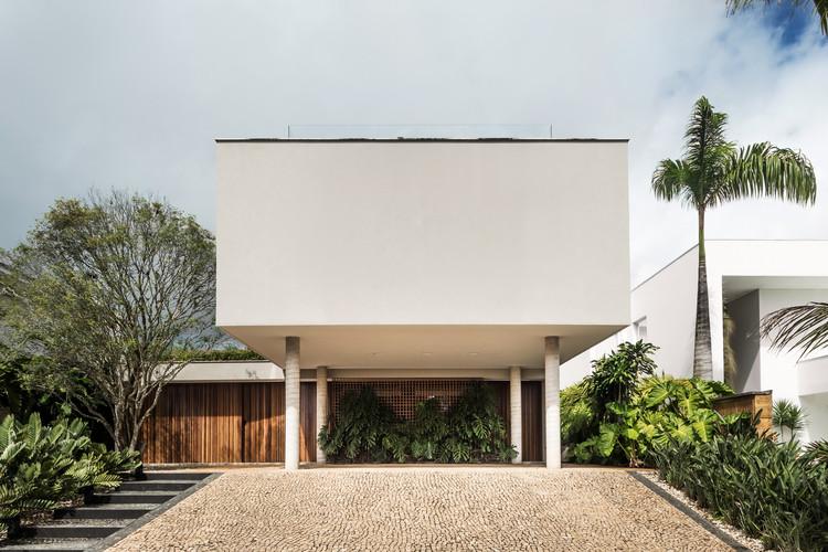Casa Registro / Canalli Arquitetura, © Eduardo Macarios